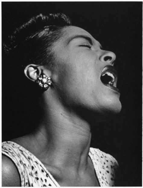 hoy cumple 100 Billie Holiday, grossa, la canción Strange ...