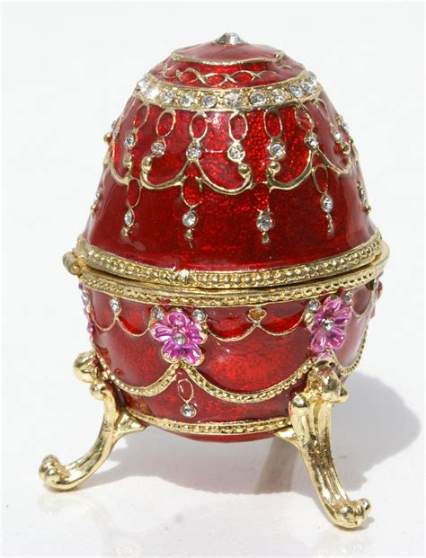 Huevos Faberge imitacion, color rojo   $70.00 USD   Subastas