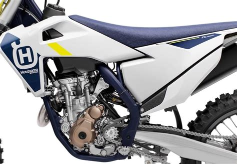 Husqvarna presenta su nueva gama de motos  cross  2022 ...