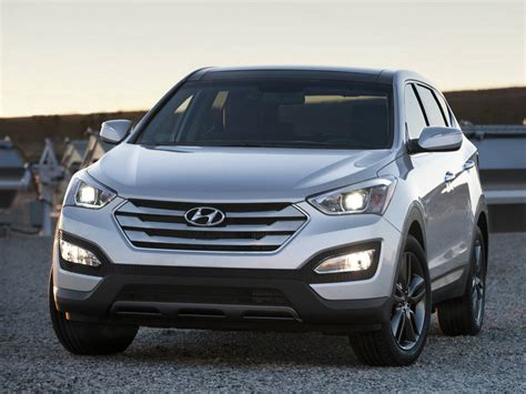 Hyundai Santa Fe VS Toyota RAV 4 Review! Is the Korean a ...
