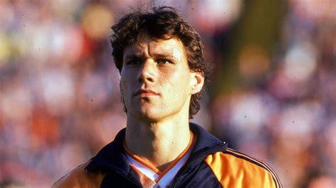 I cinque gol in acrobazia più belli di Marco van Basten