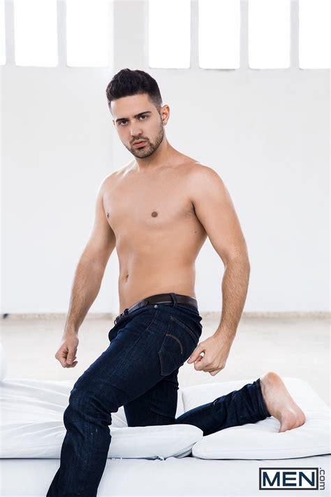 ianto35 on Twitter:  Robbie Rojo…