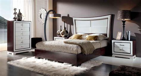 Ideas fáciles para decorar un dormitorio de matrimonio