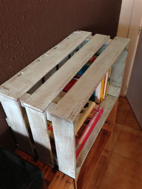 ideas para decorar con librero hecho con cajas de madera ...