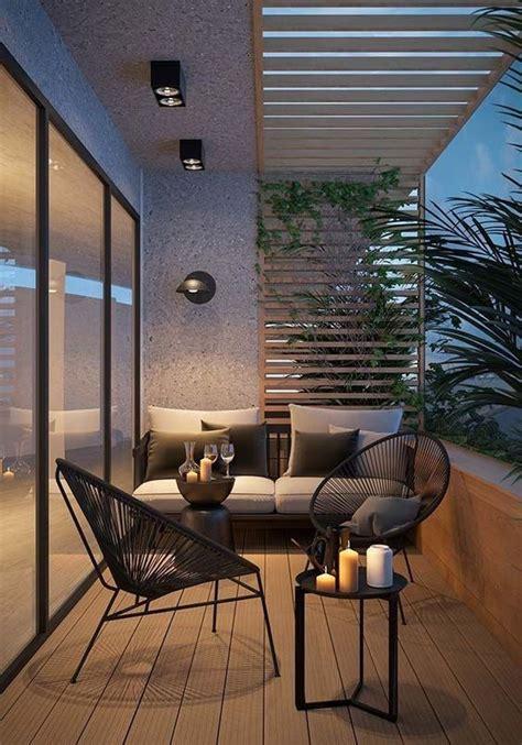Ideas para decorar terrazas pequeñas. Un sofá al fondo y ...