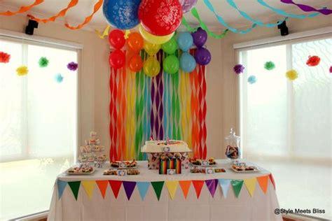 ideas para un cumpleanos de arcoiris  11    Decoracion de ...