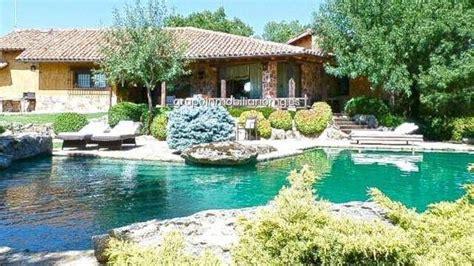 Iglesias y Montero se compran un chalet con piscina por ...