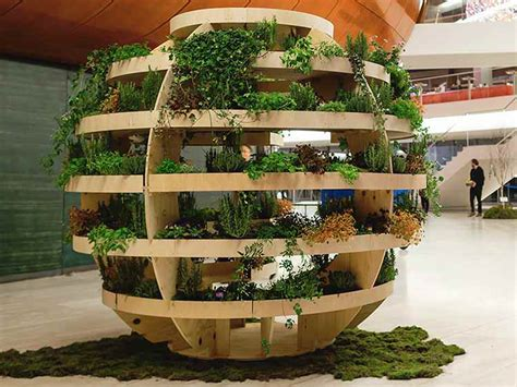 IKEA diseña jardín esférico que alimenta un Barrio