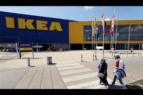 IKEA ofrece consolas PS5 y Xbox Series X hechas de cartón ...