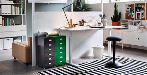 IKEA SKARSTA is a solid, adjustable full size standing ...