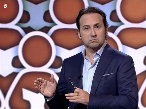 Iker Jiménez saca pecho con  Informe Covid  en Telecinco ...