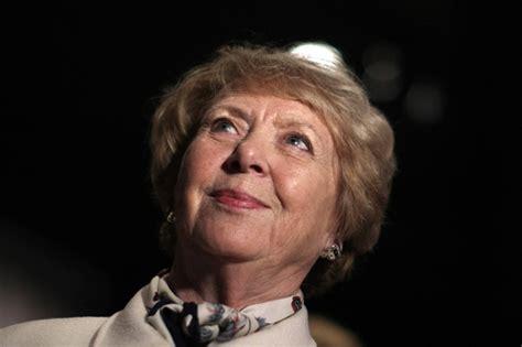 Il y a 40 ans en Islande: Vigdis Finnbogadottir, première ...