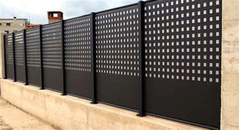 Imagen relacionada   Puertas de aluminio exterior, Vallas ...