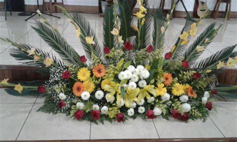 Imágenes de Arreglos florales para iglesias en amarillo ...
