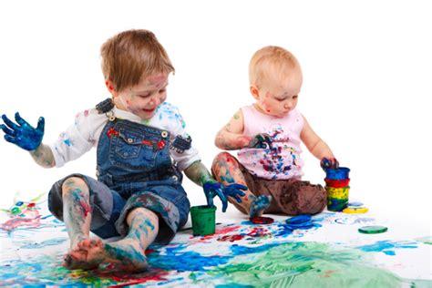 Imágenes de niños felices, jugando y con frases tiernas ...