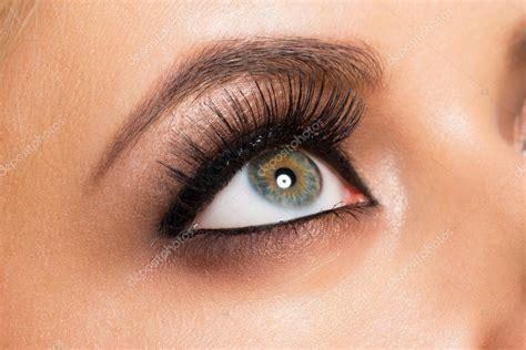 Imágenes: ojos maquillados   maquillado de ojos — Foto de ...