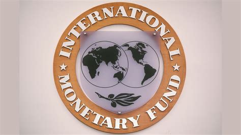 IMF praises India for using  right policies  to lower high ...