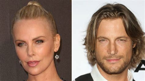 In Love: Schnappt sich Charlize Theron dieses Male Model ...