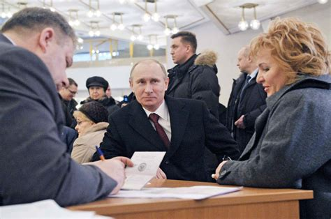 In Spotlight of Power, Putin Keeps Private Life in Shadows ...