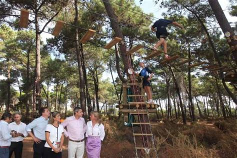 Inaugurado en Marbella el nuevo ecoparque de Aventura ...