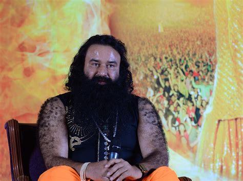 India condena a un influyente gurú a diez años de prisión ...