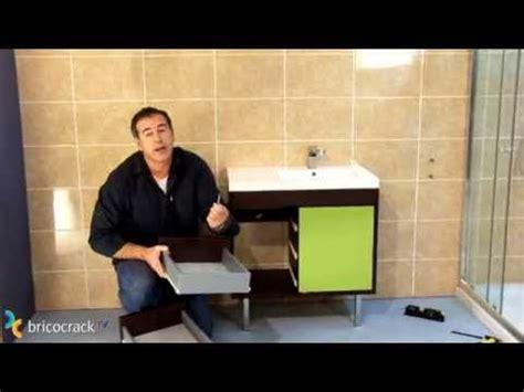 Instalar un mueble de baño suspendido  Bricocrack    YouTube