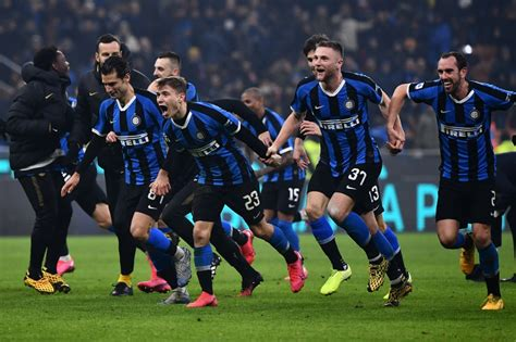 Inter / Inter Milan   Wikipedia : Official account of fc ...