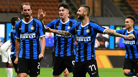 Inter move second, close in on Champions League with ...