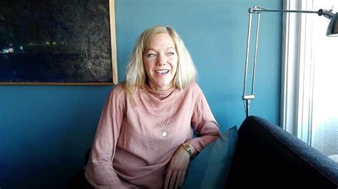 Intervjuteknikk med Maja Lunde   YouTube
