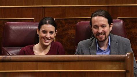 Irene Montero y Pablo Iglesias esperan mellizos
