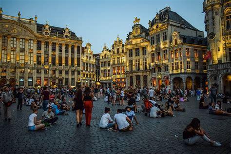 Is Brussels or Bruges Better to Visit?
