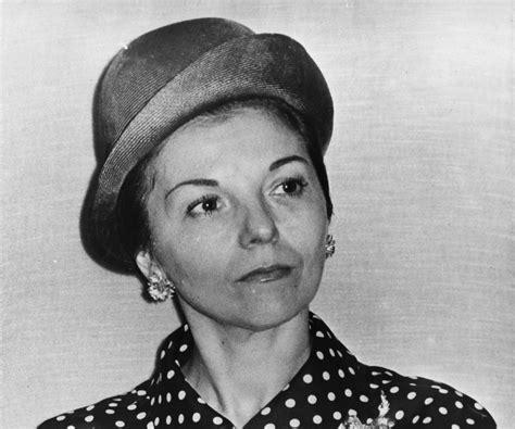 Isabel Martínez De Perón Biography   Childhood, Life ...