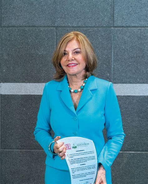 Isabel Noboa es reconocida por la Cámara de Industrias de ...