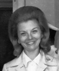 Isabel Perón – Wikipedia