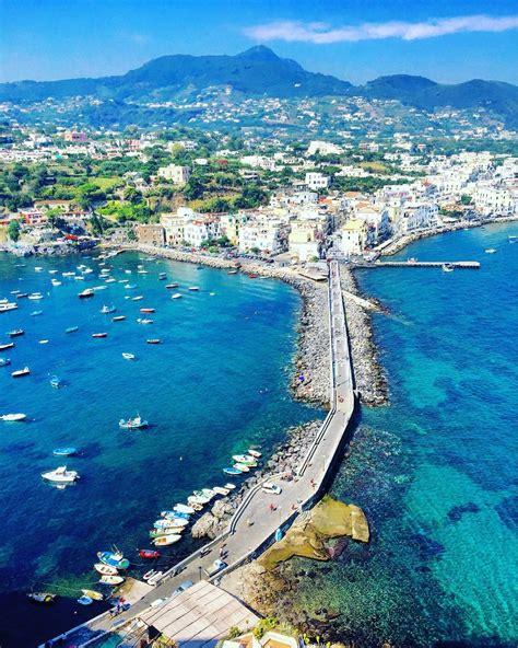 Ischia,Napoles.Italia, Naples, Italy   Una isla ...