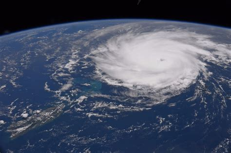 ISS astronaut photographs hurricanes from space    and it ...