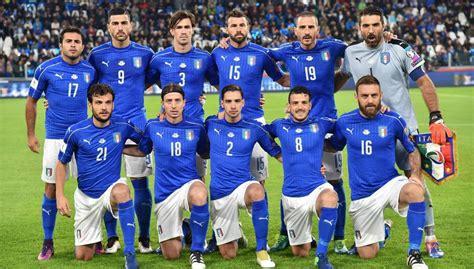 Italia ya tiene listo su uniforme para el Mundial ...
