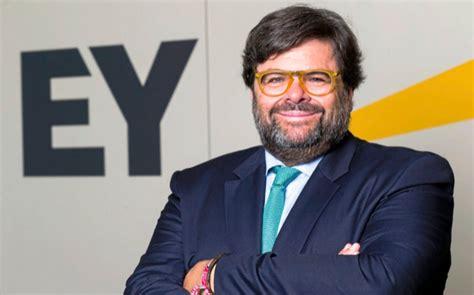 Iván Azinovic se une a EY para liderar inmobiliario