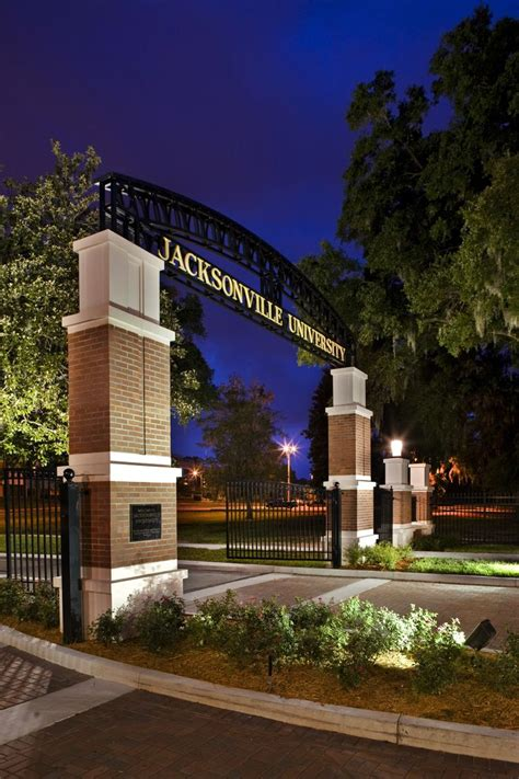 Jacksonville University Campus Entrance   Dasher Hurst ...