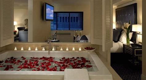 Jacuzzi Hotels NYC | In Room Suites, Spa Tubs, Romantic ...