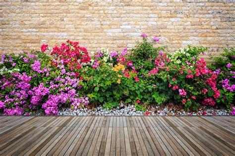 Jardines con flores, cómo diseñarlos con ideas simples y ...