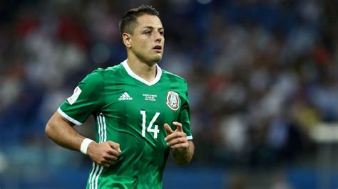 Javier  Chicharito  Hernandez agrees to join West Ham ...