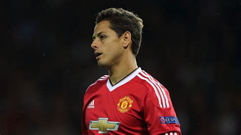 Javier Hernandez defends Manchester United boss Louis van ...