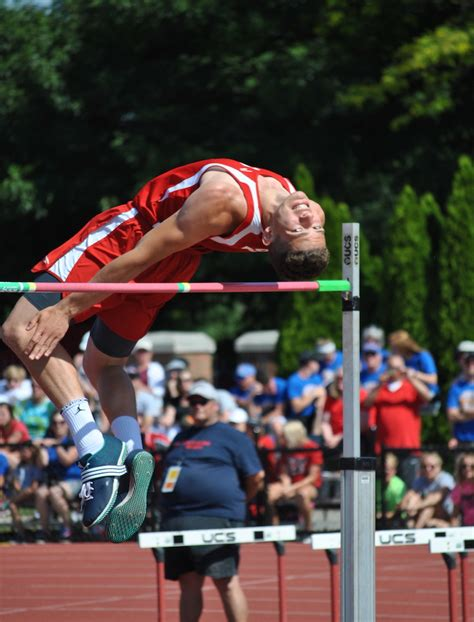Jeremy Hayton soars to 3rd place in DII State High Jump ...
