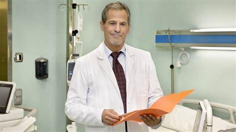 Jesús Cabrero interpreta al Dr. Javier Blanco en Centro ...