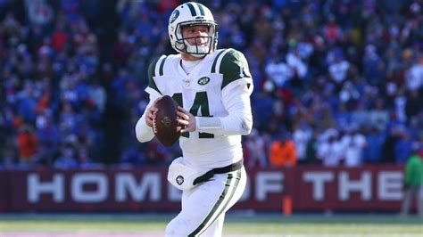 Jets QB Sam Darnold Out for at Least a Week with Mono ...