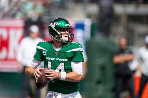 Jets Quarterback Sam Darnold Could Be Out Several Weeks ...