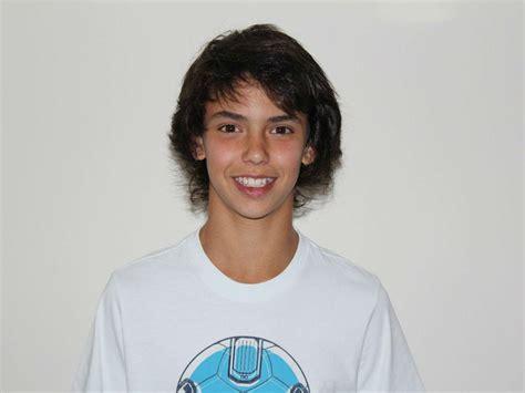 João Félix, a história do miúdo que cresceu muito depressa ...