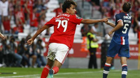 João Félix joins the Golden Boy race   SL Benfica