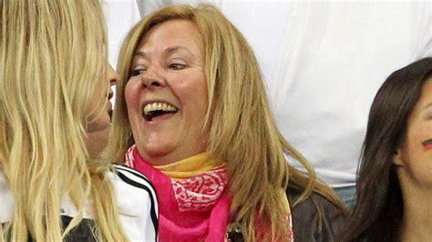 Jogis Glücksfrau ist da: Daniela guckt WM Finale ...